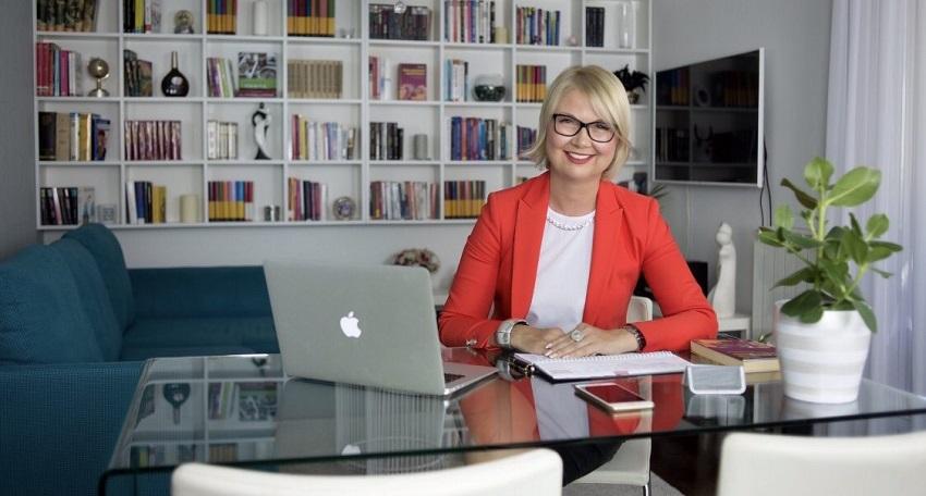 Inga Lalić, Poslovna edukacija i savjetovanje