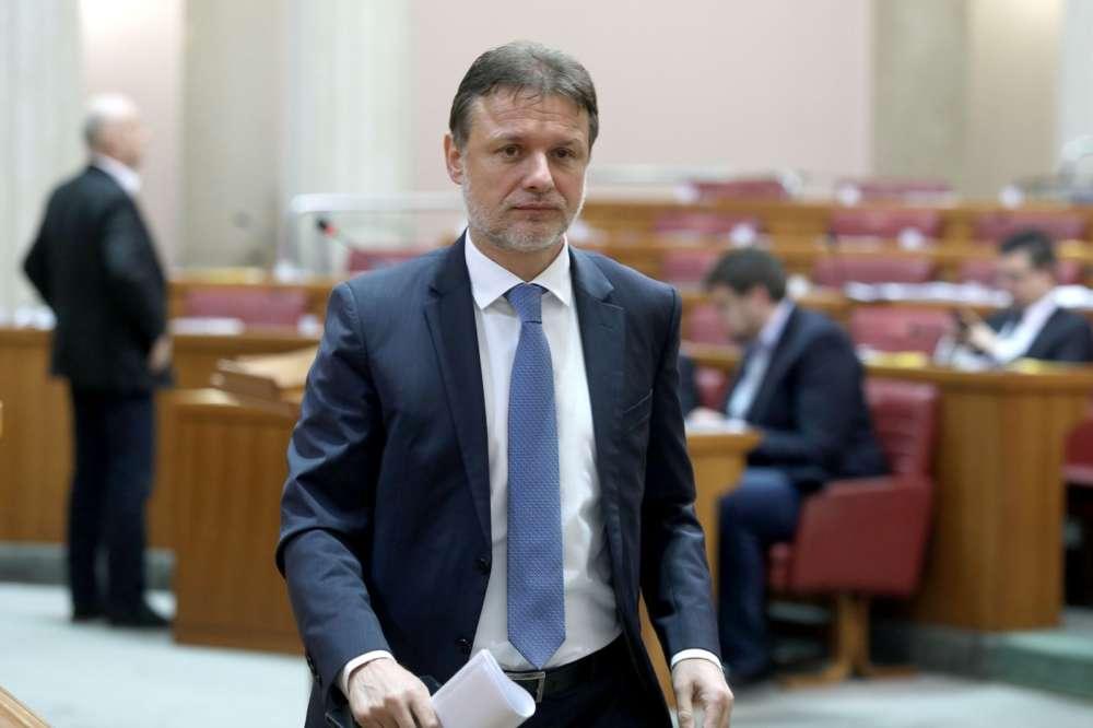 [VIDEO] Tko tu koga sabotira – Jandroković nije odolio, na pitanje tko podmeće ministrici Žalac uzvratio hitom Vojka V!
