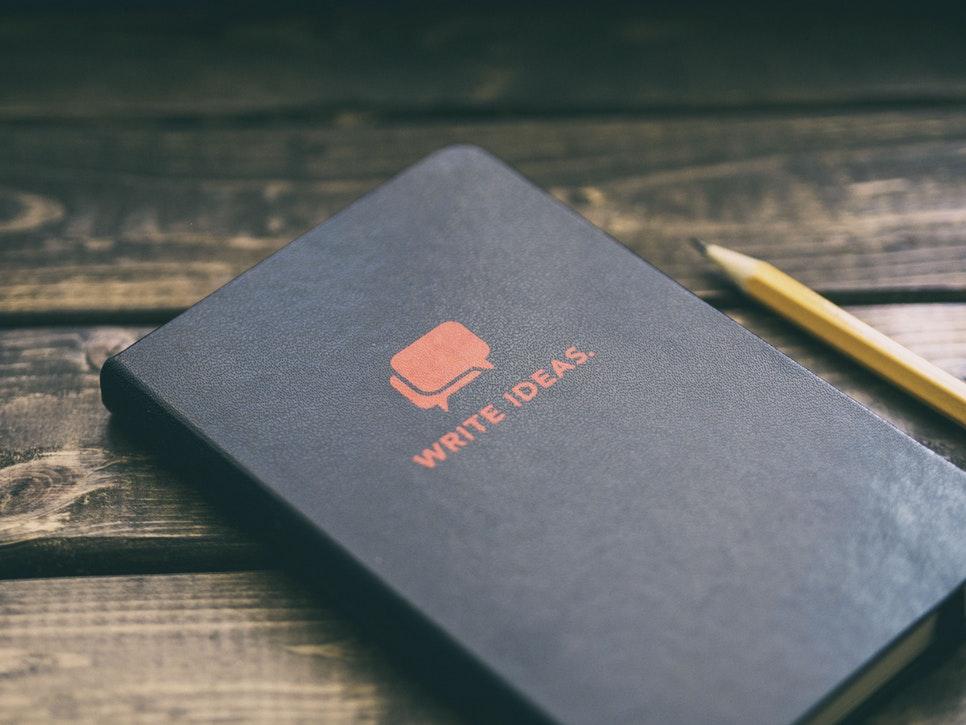 knjiga i olovka