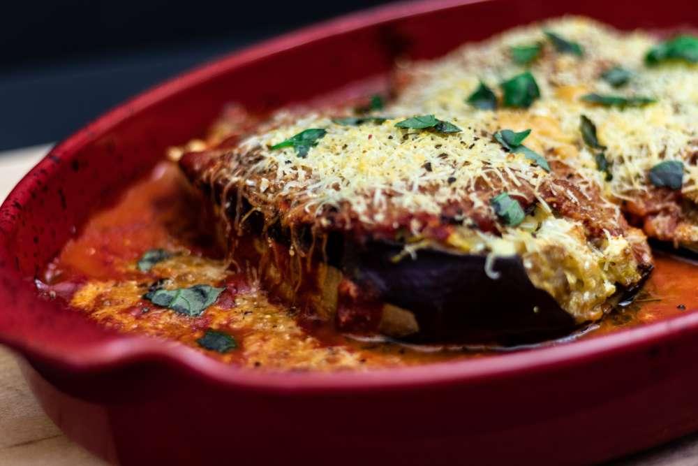 baking-basil-cheese-1707917