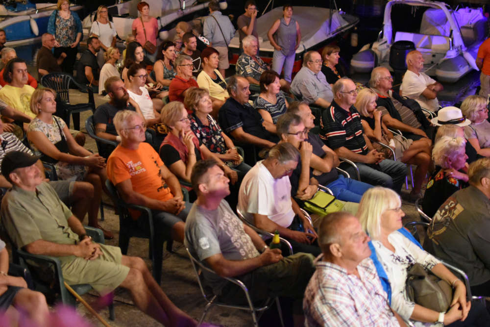 publika (1)