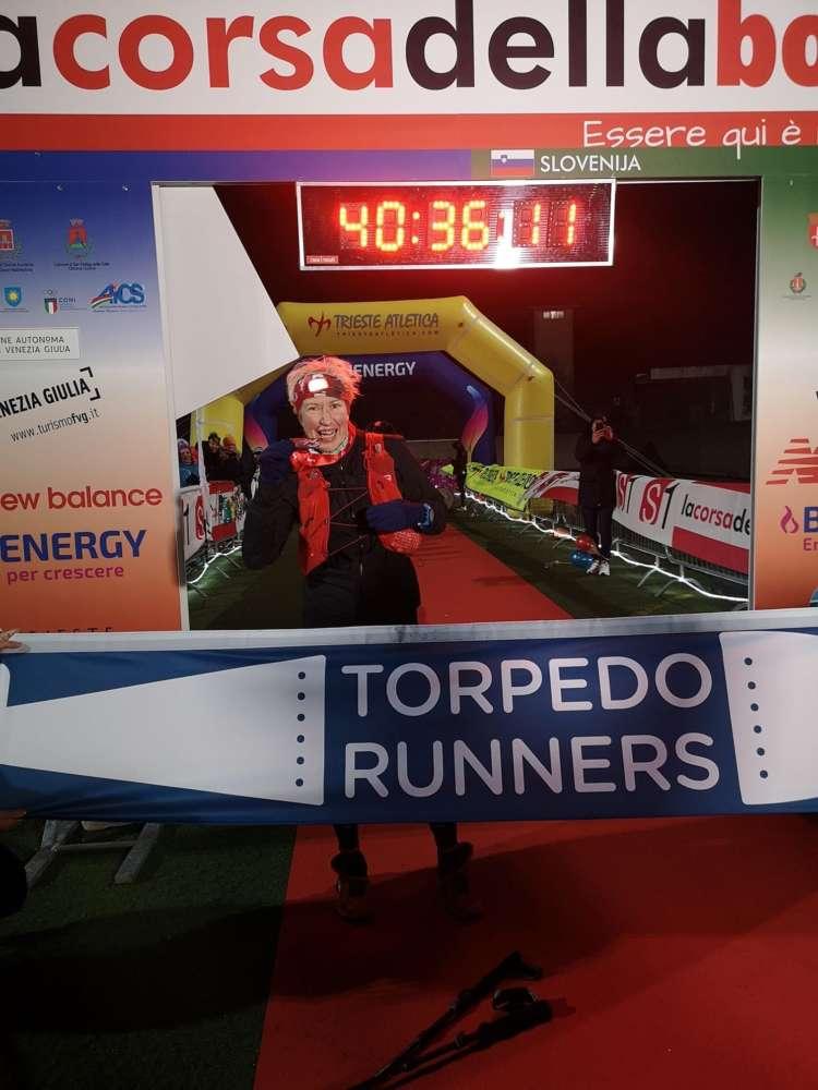 Maria Vlacich TR_La corsa della Bora_cilj_medalja