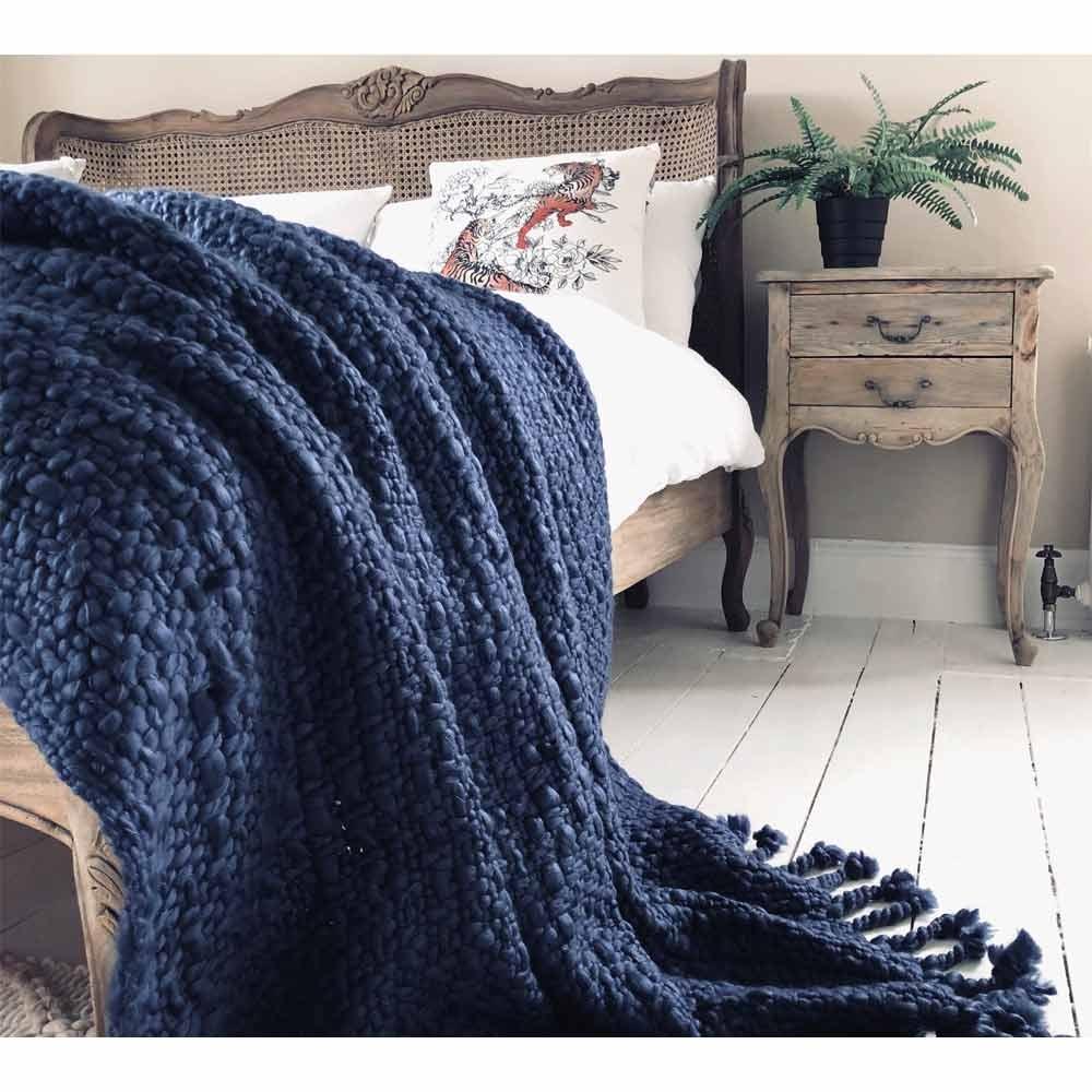 wide-knit-navy-blue-tasselled-blanket-1