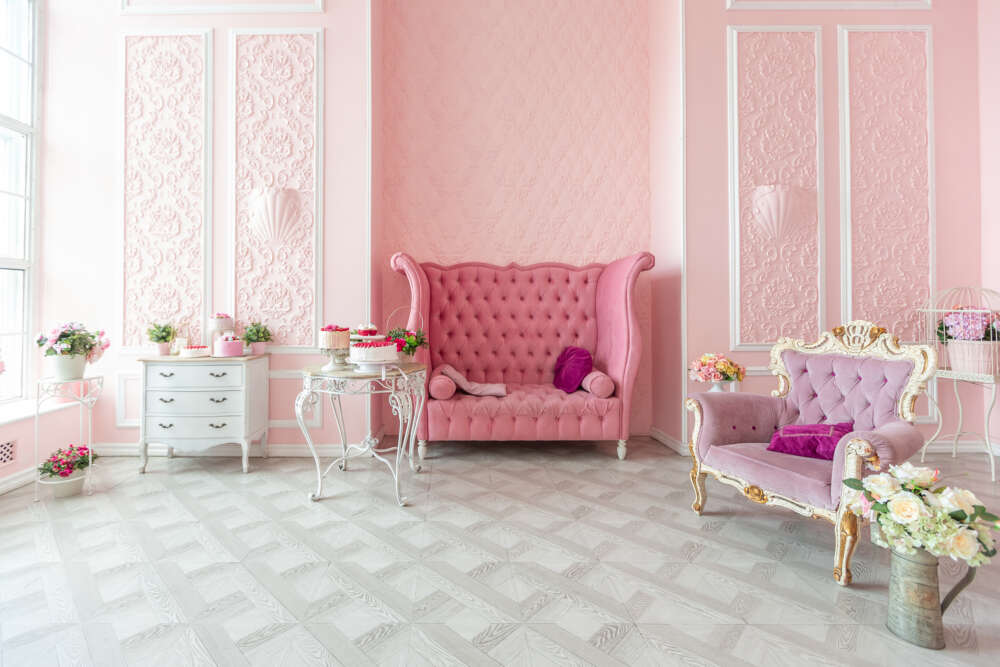Royal,Sitting,Room,Luxury,Interior,Of,Large,Flat,In,Pink