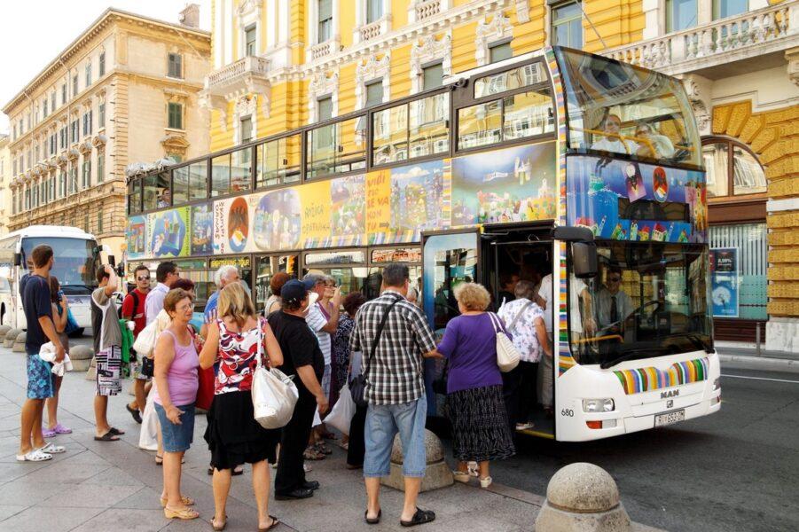 Od 21. lipnja ponovno na riječkim ulicama tuRIstički autobus