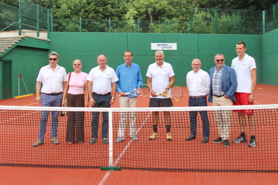 Predstavljanje-obnovljenog-teniskog-terena-u-Sportsko-rekreacijskom-centru-Mlaka-5-900×600