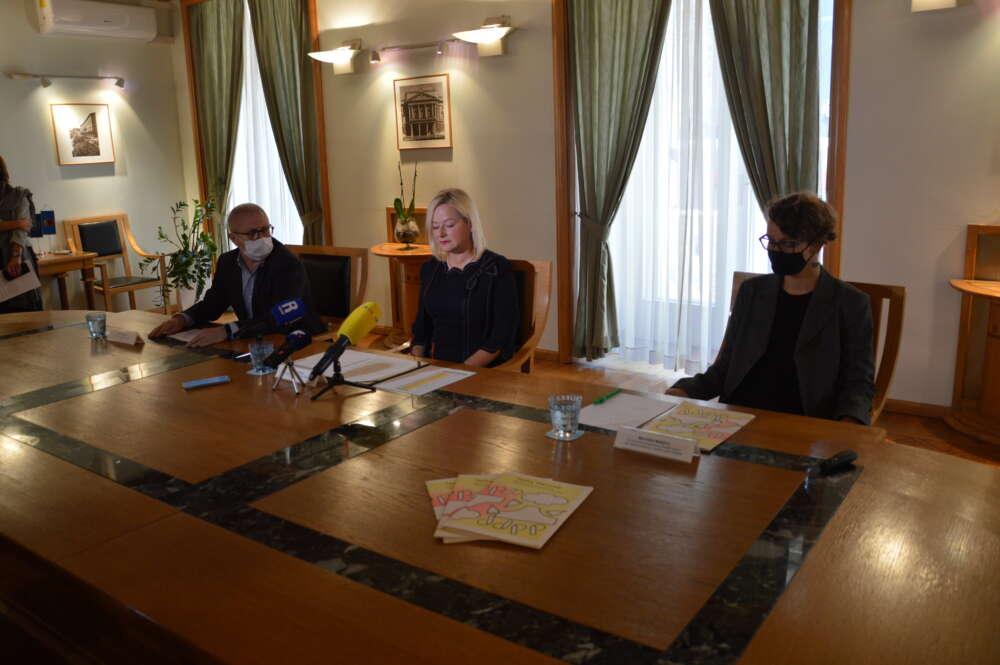 Grad Rijeka u osnovne škole uvodi besplatne higijenske potrepštine za djevojčice